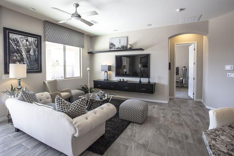 laminate-livingroom-grey-tile